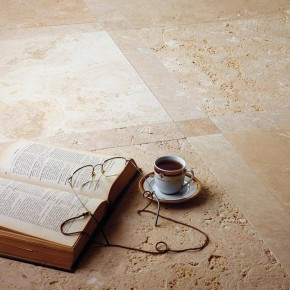 Revêtement sol intérieur en pierre naturelle de travertin Noce