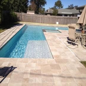 Dalle Reflet, pierre calcaire naturelle travertin opus romain vieilli pour terrasse piscine
