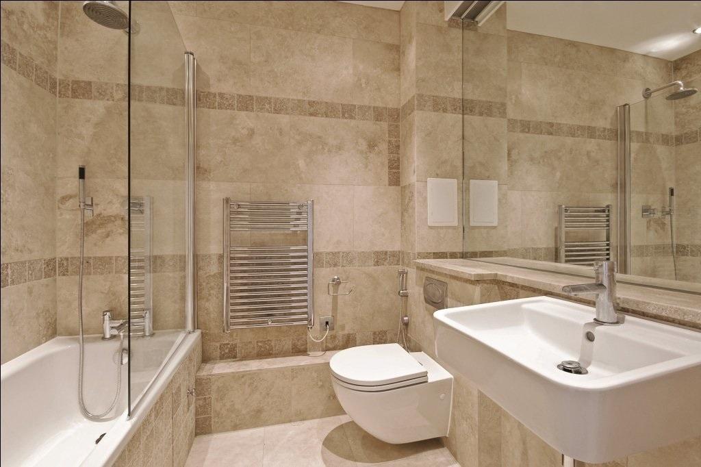 douche-et-salle-de-bain-en-mosaique-de-travertin