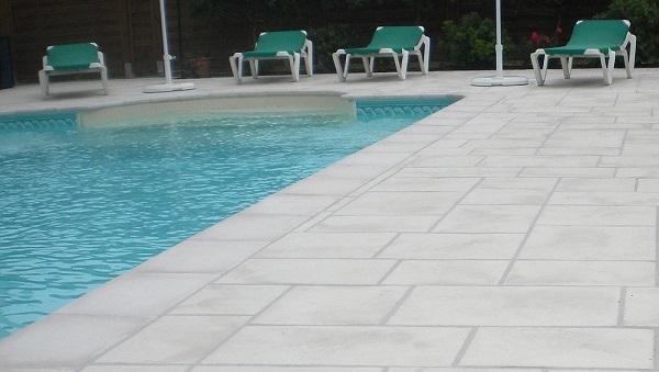 dallage piscine pierre reconstituee